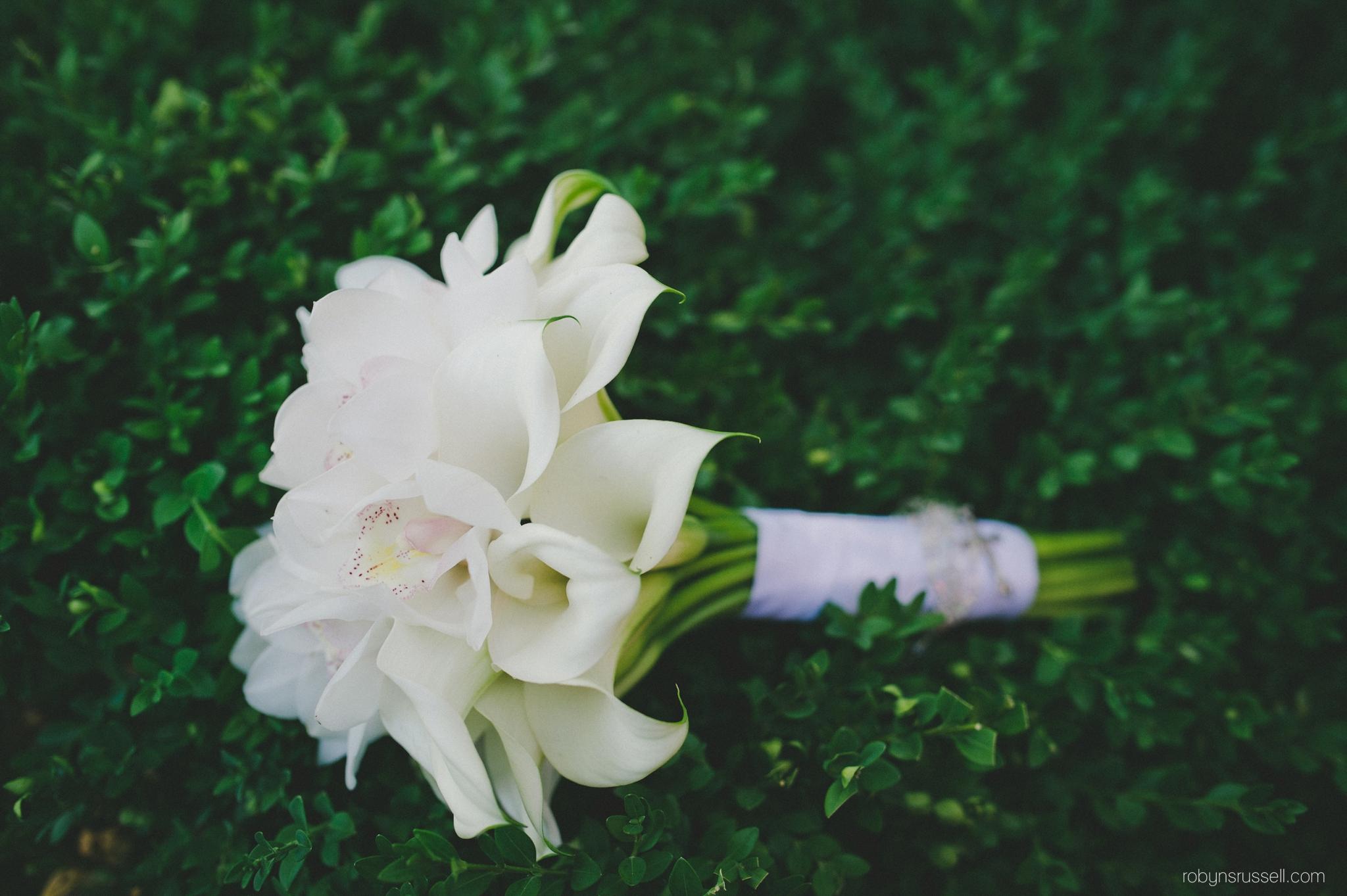 20-bridal-calla-lily-bouquet-oakville.jpg