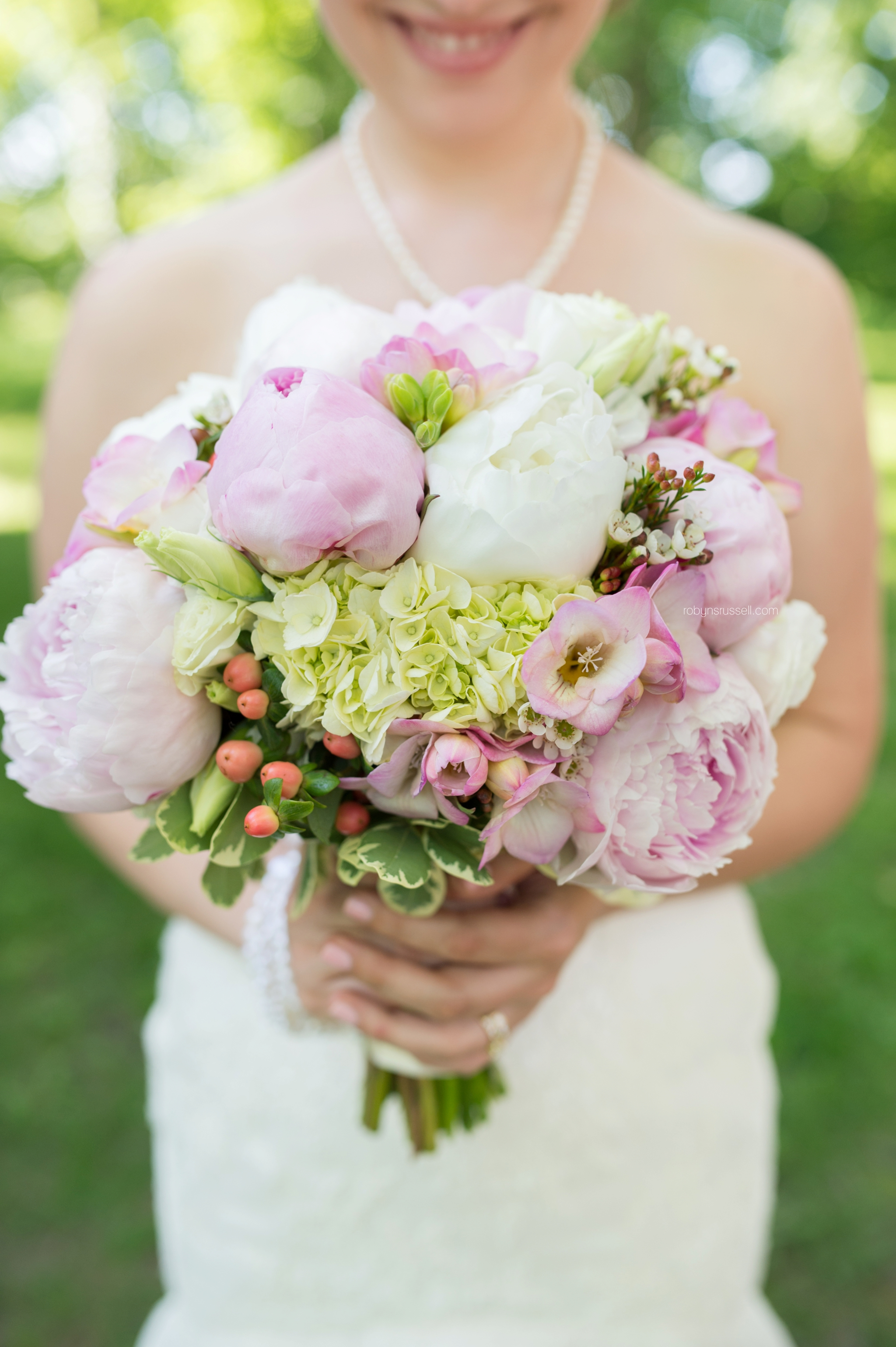 23-brides-summer-flowers-the-watering-can-wedding-day.jpg