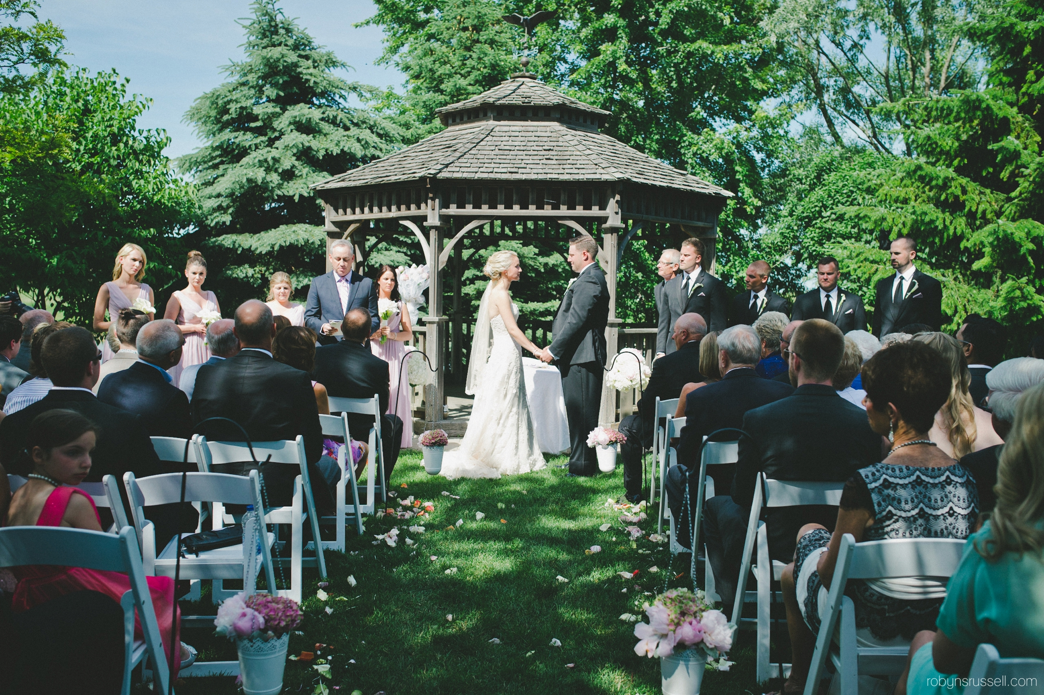 24-wedding-ceremony-at-pipers-heath-oakville.jpg