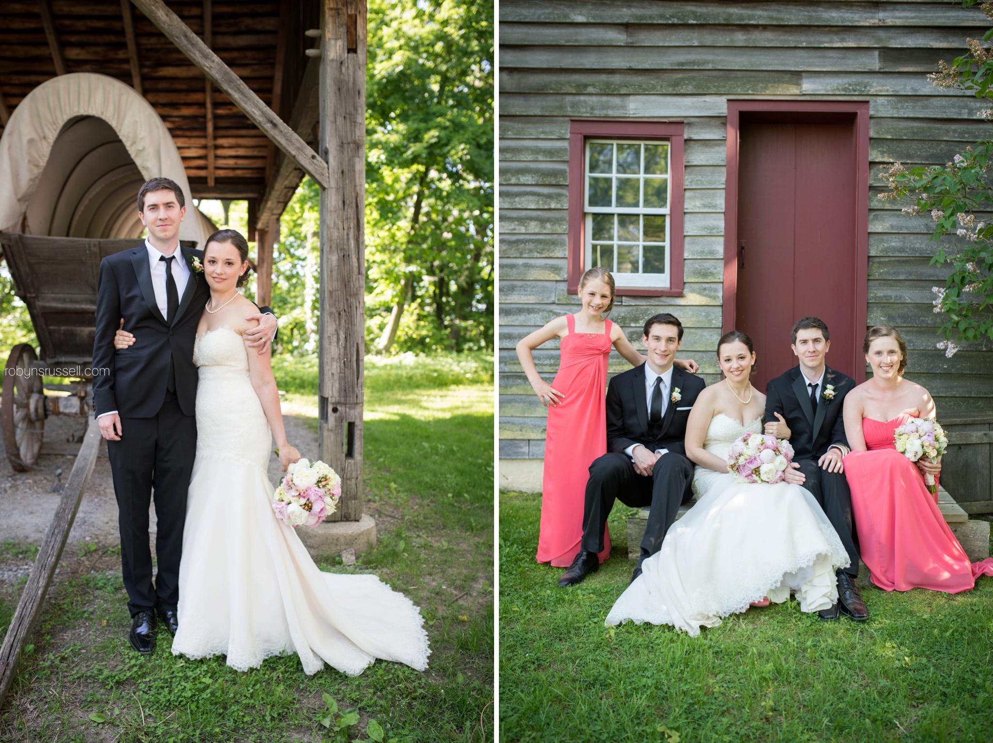25-bridal-party-in-historic-jordan-barn.jpg