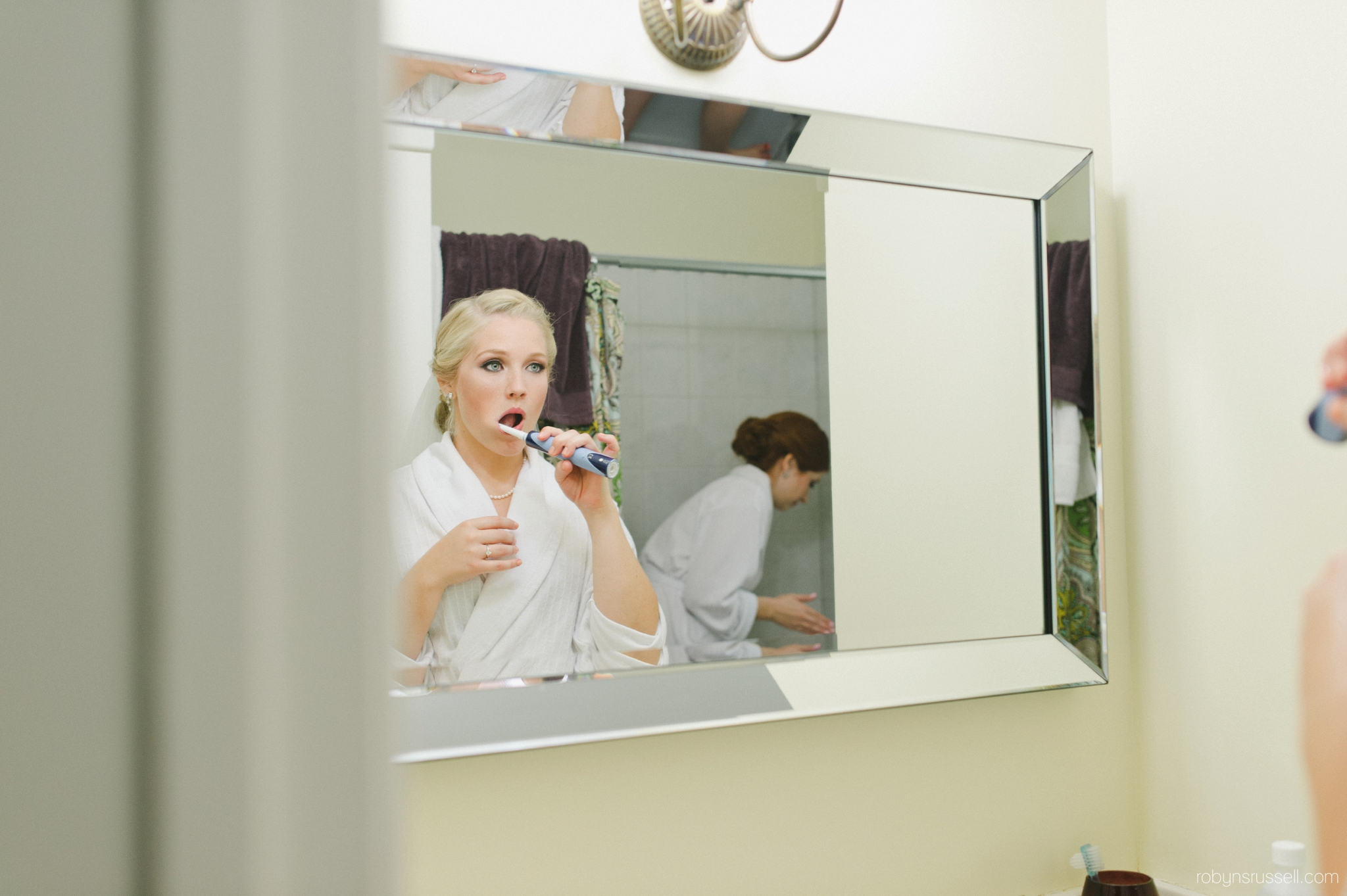 0046-bride-getting-ready-burlington.jpg