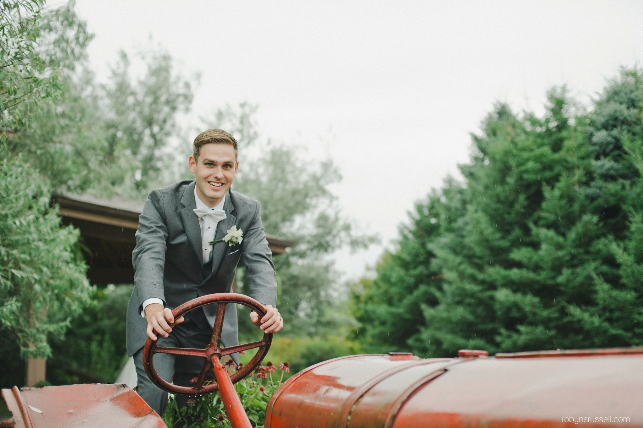 0510-groom-portrait-kurtz-orchard-truck.jpg