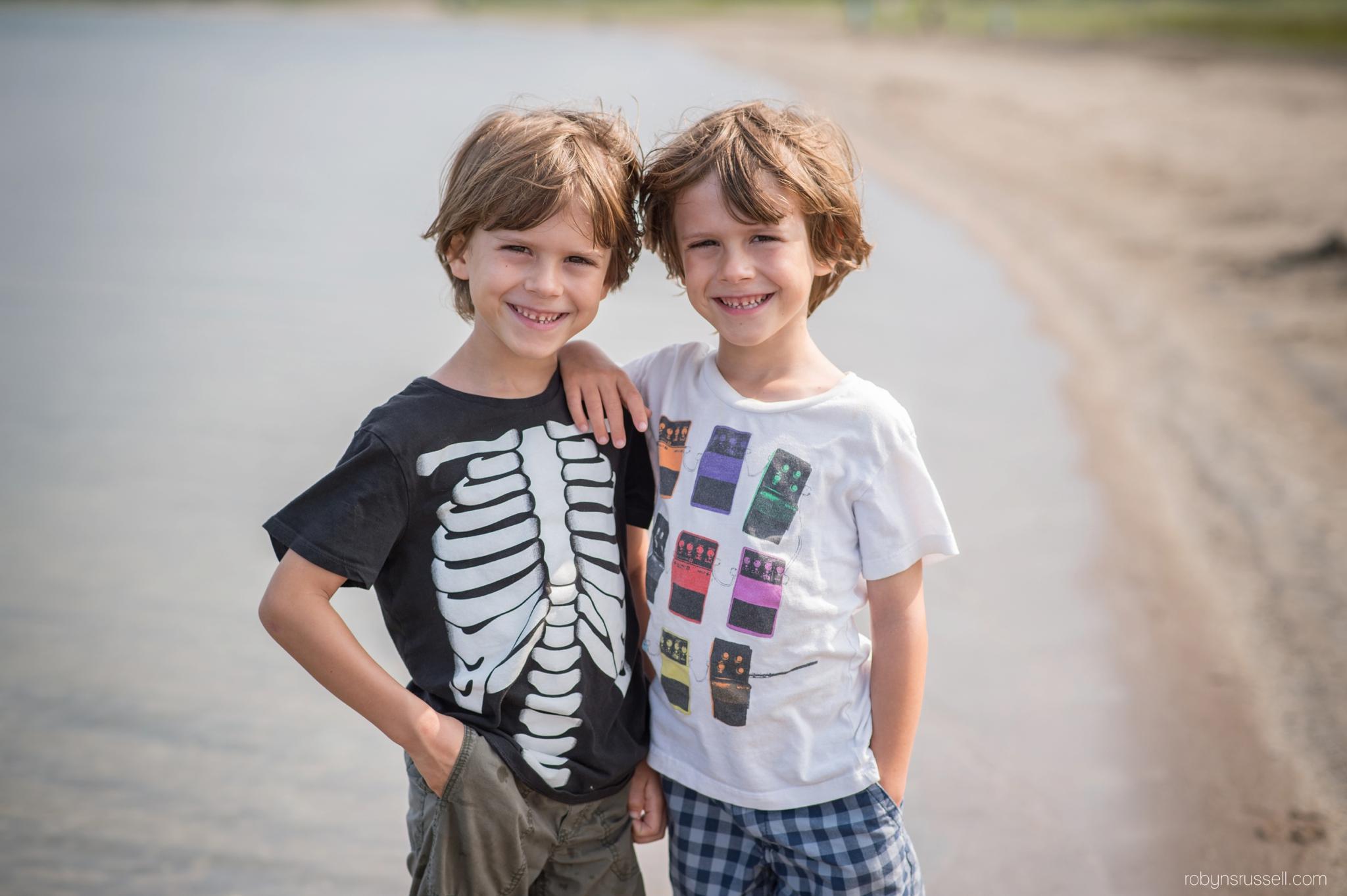 11-twin-boys-smiling.jpg