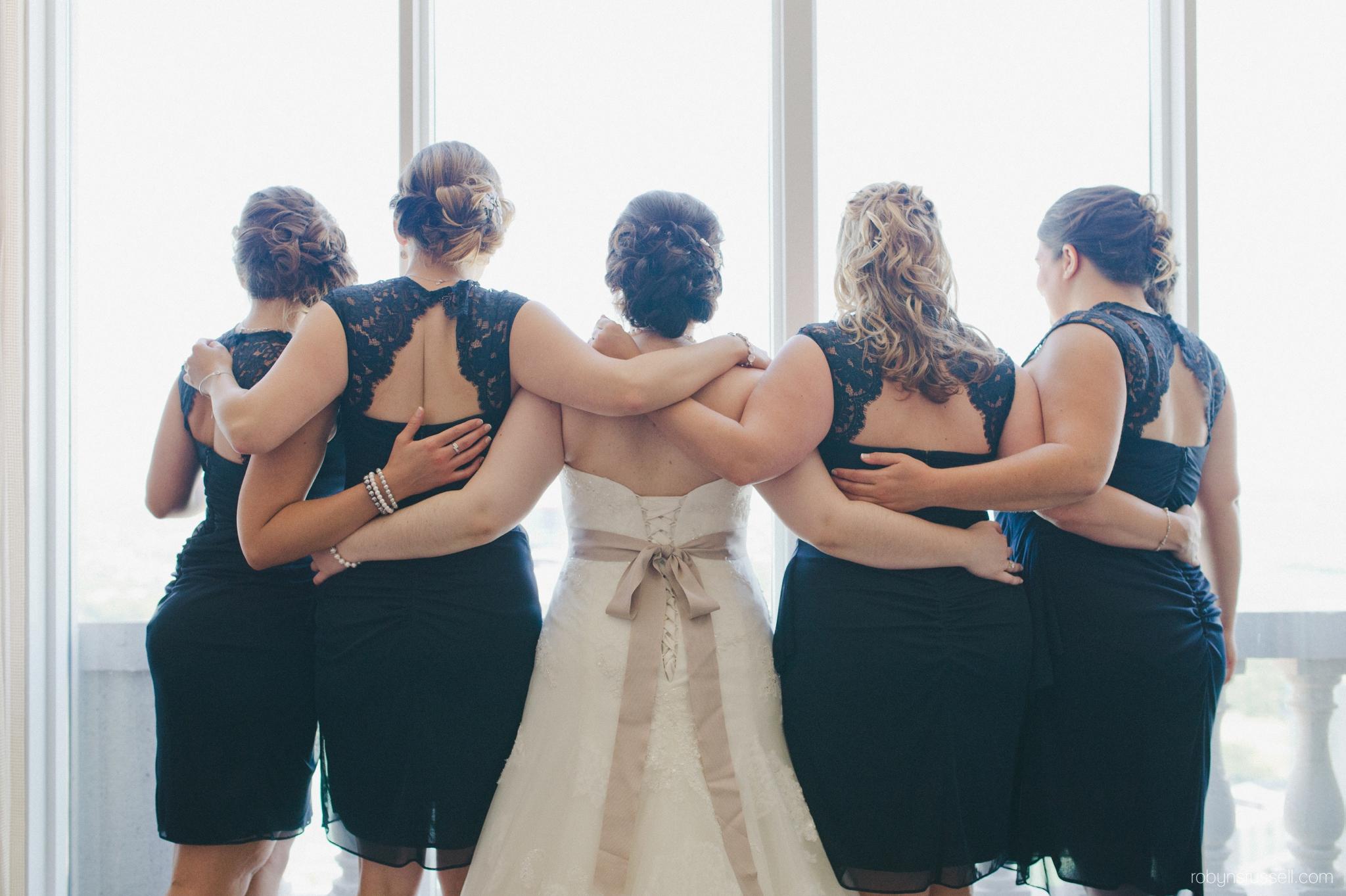 12-bride-and-bridesmaids.jpg