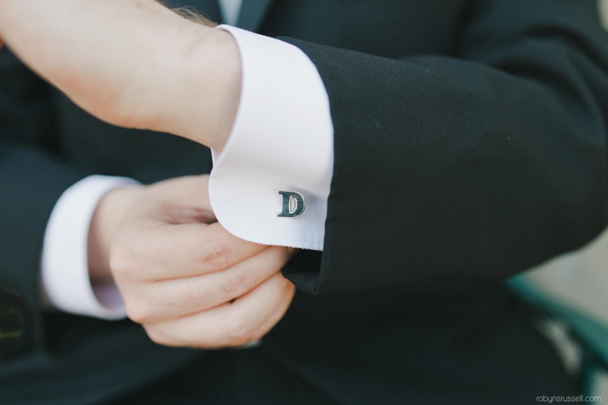 16-groom-details.jpg
