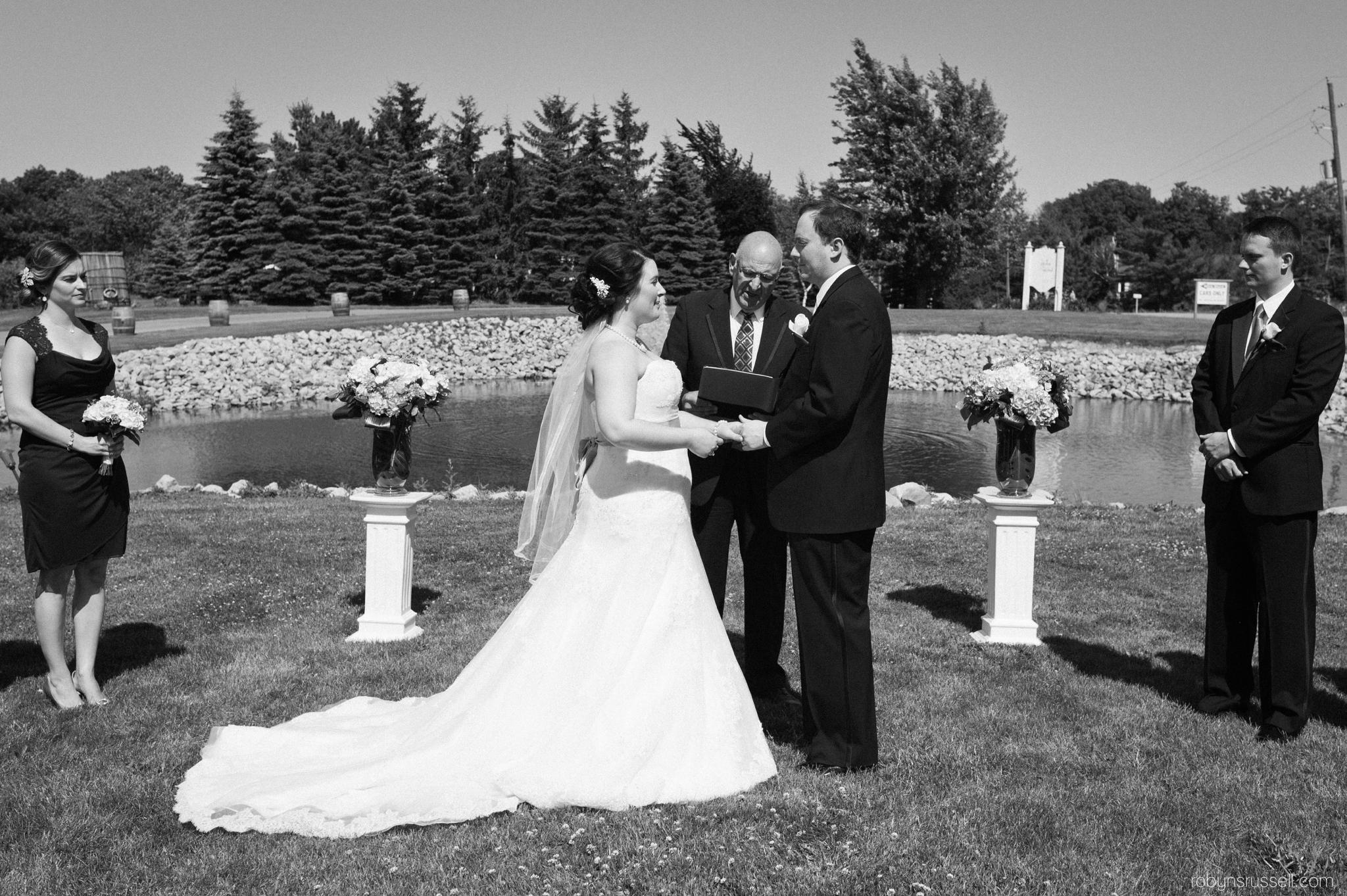 21-black-and-white-wedding-ceremony-hernder-winery.jpg