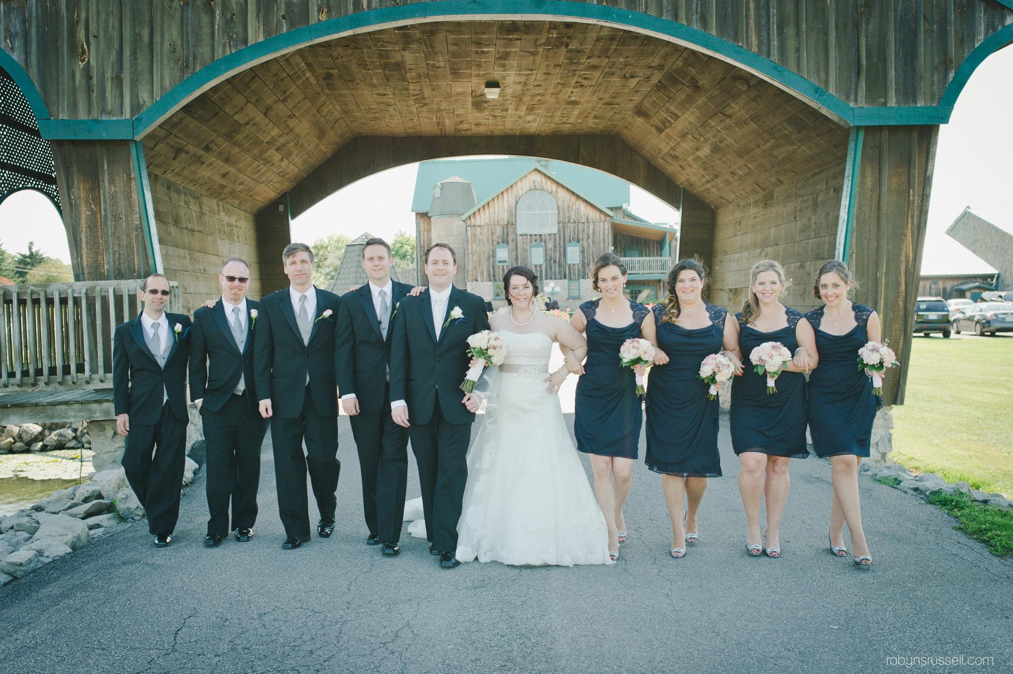 23-bridal-party-hernder-winery-bridge.jpg