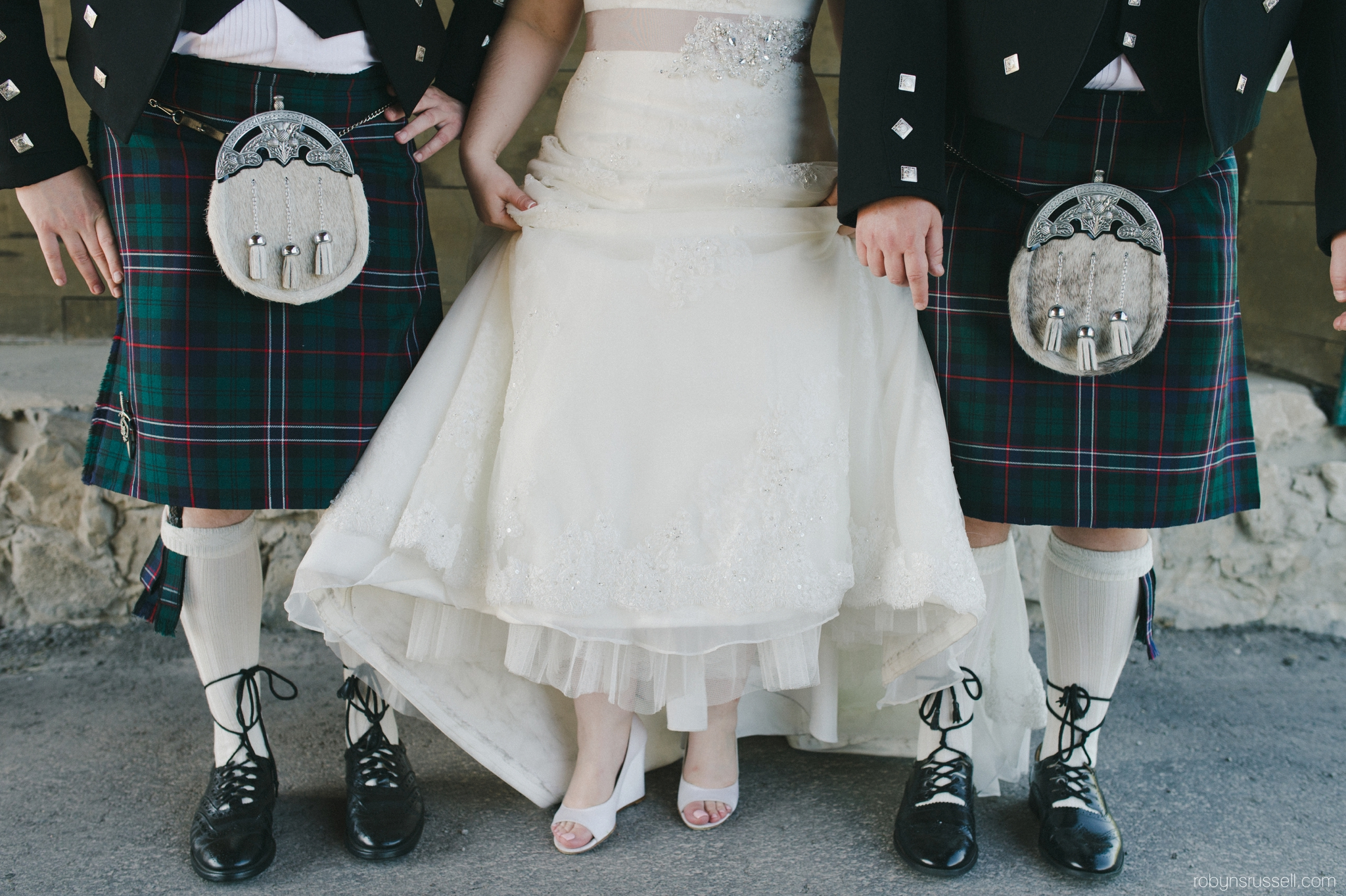 24-bride-with-brothers-scottish.jpg