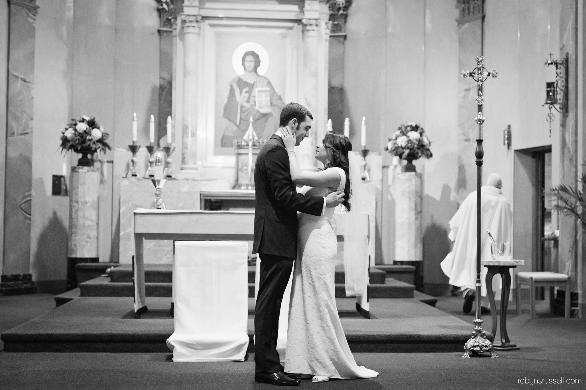24-bride-and-groom-black-and-white-portrait.jpg