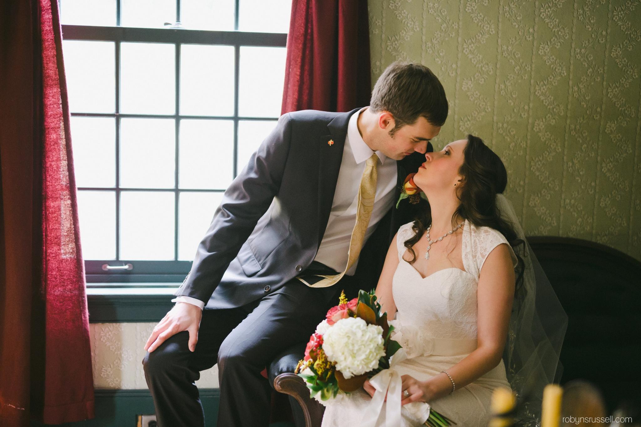 27-bride-and-groom-bradley-house-mississauga.jpg