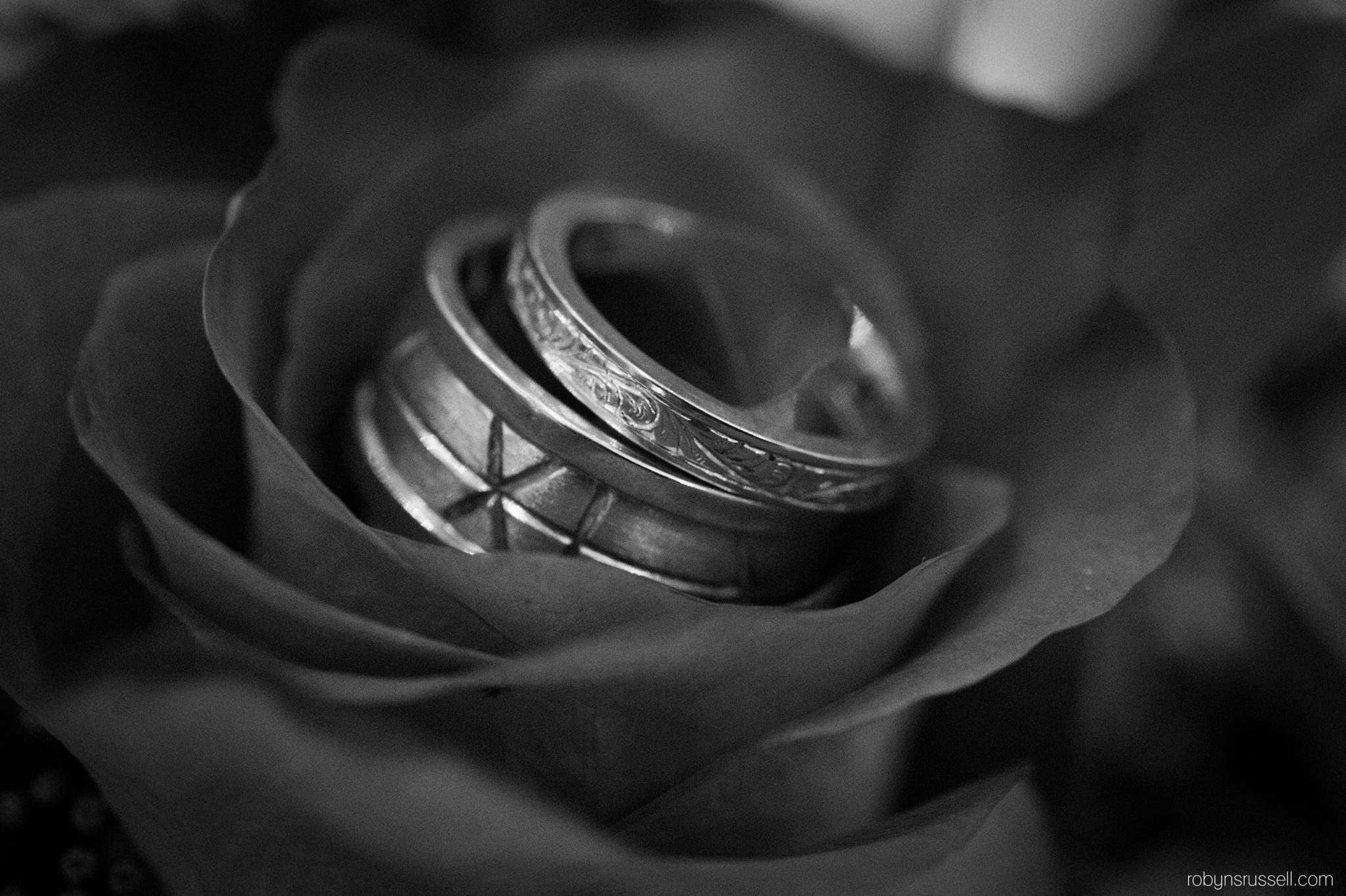 48-wedding-rings-oakville-wedding-photographer.jpg