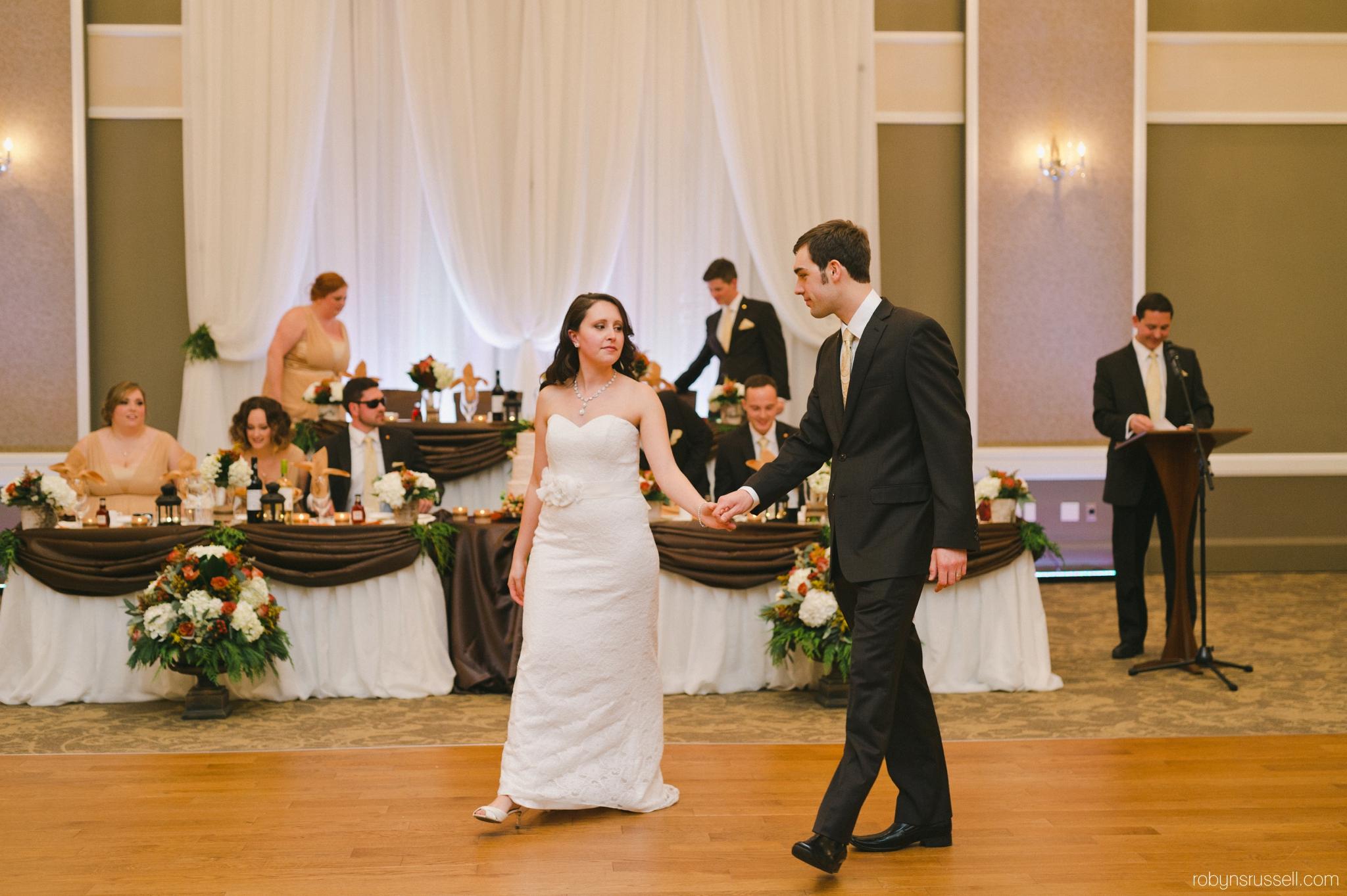 52-first-dance-oakville-wedding-photographer.jpg