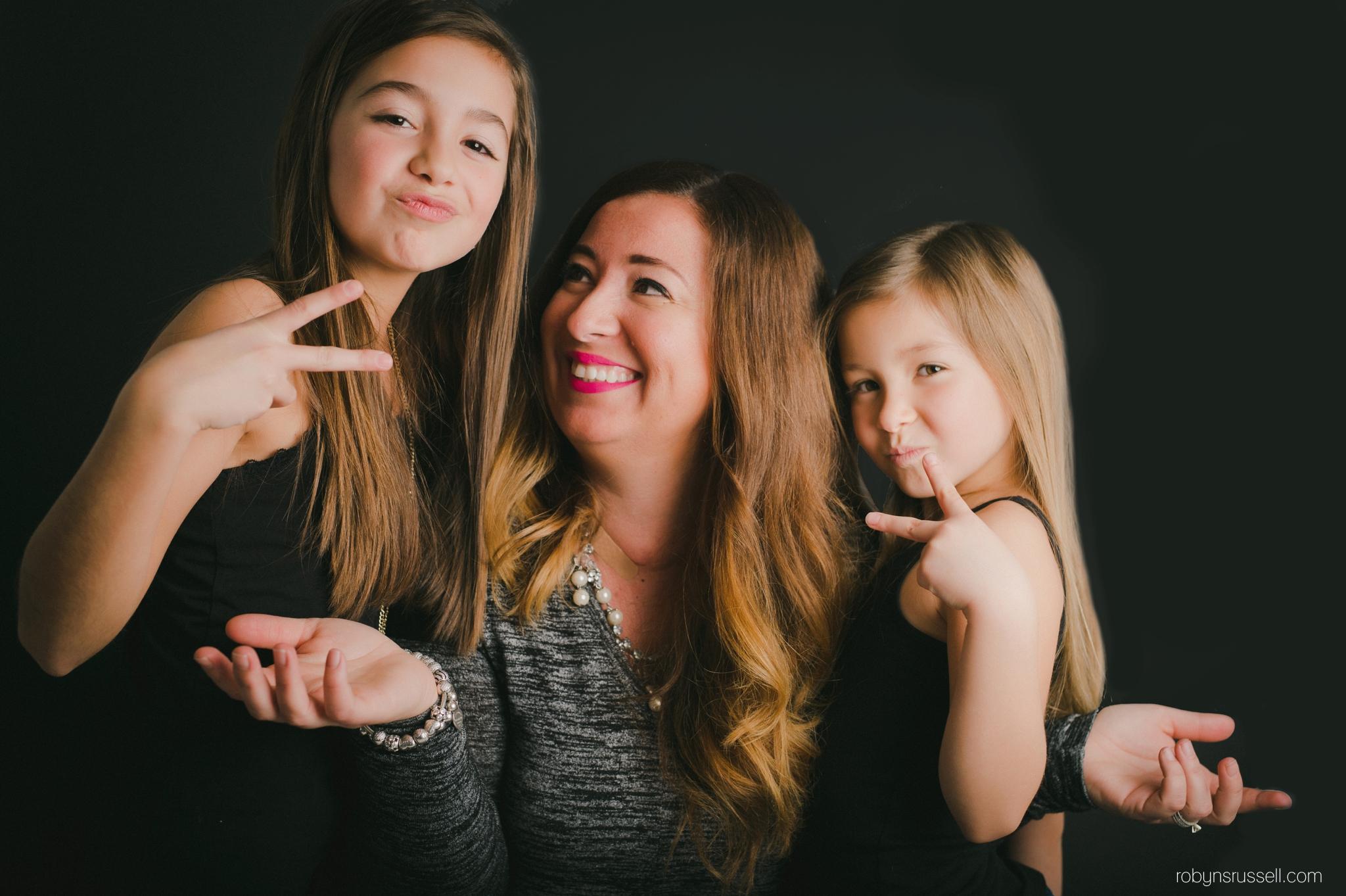 7505-Silly-Family-Photos-Burlington.jpg