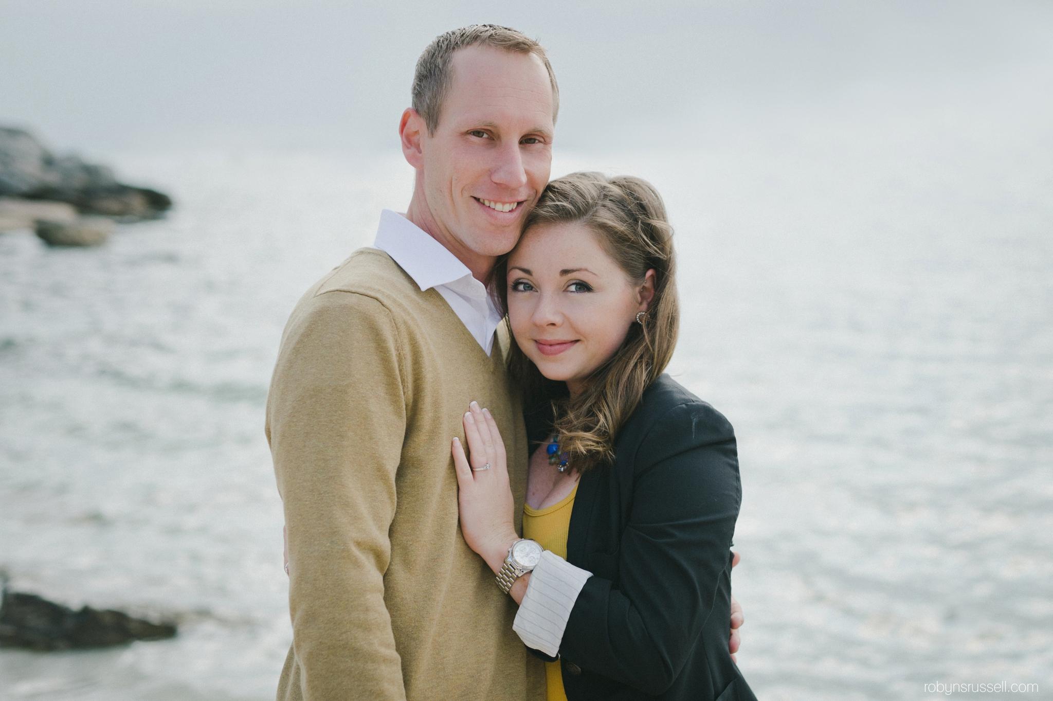 4-beautiful-seaside-portrait-of-a-couple.jpg