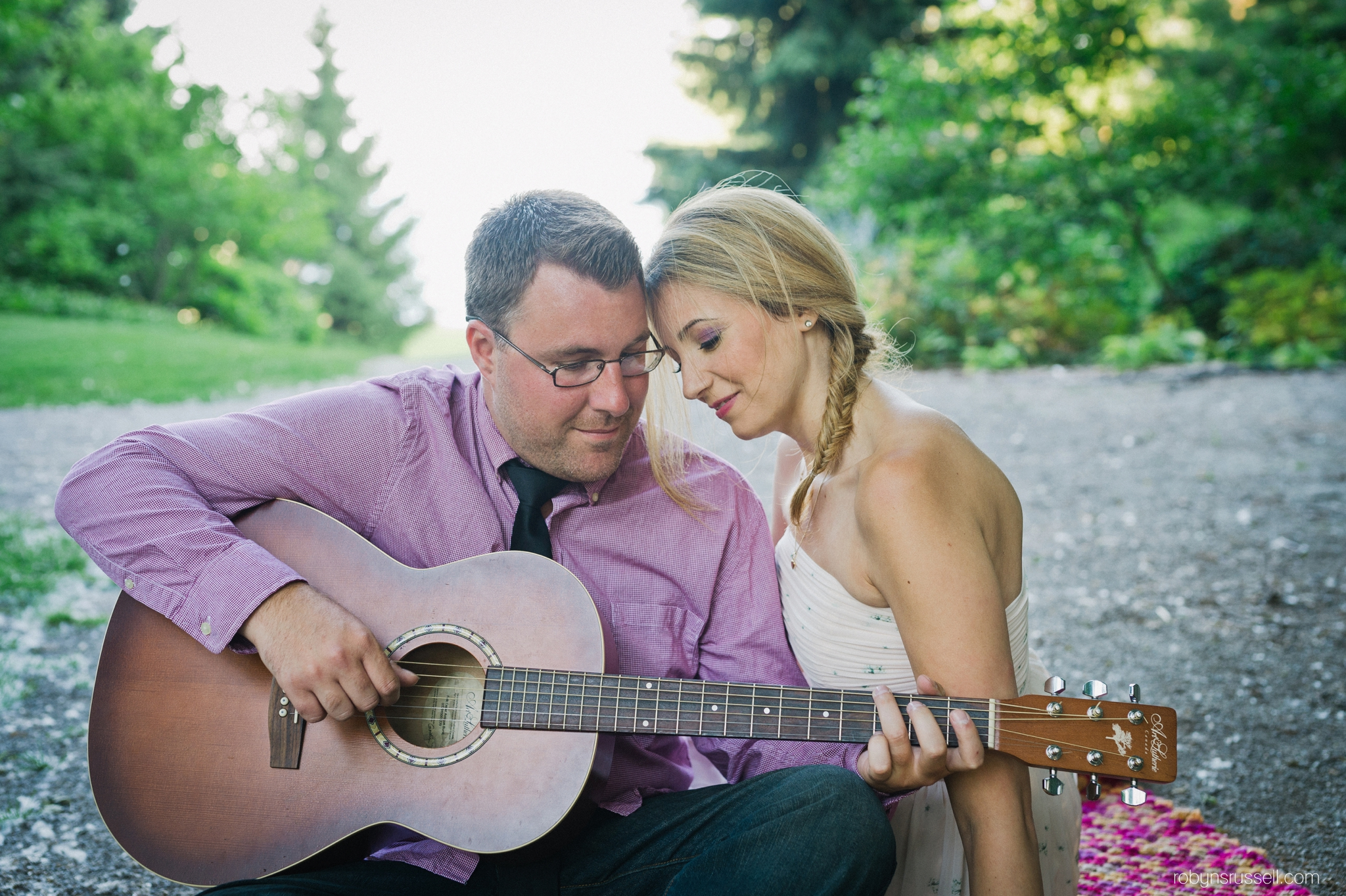 1-couple-playing-guitar-paletta-mansion-burlington.jpg