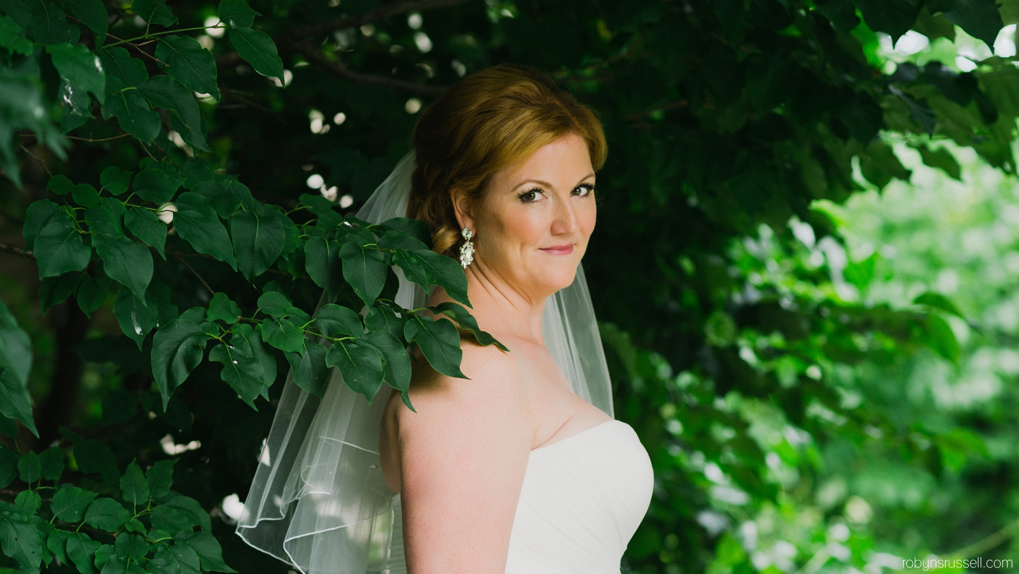 12-the-beautiful-bride-to-be-oakville-wedding-photographer.jpg