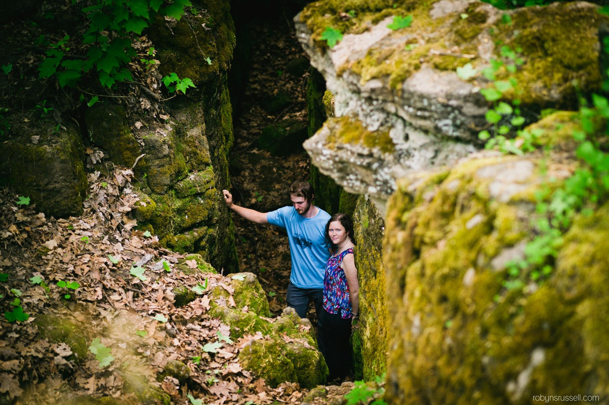 15-amazing-cave-shot-mt-nemo-burlington-couples-session.jpg