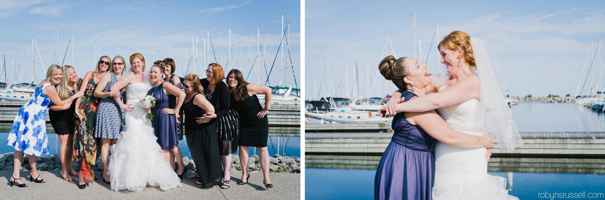 19-bride-and-girlfriends-oakville-harbour-wedding-photographer.jpg