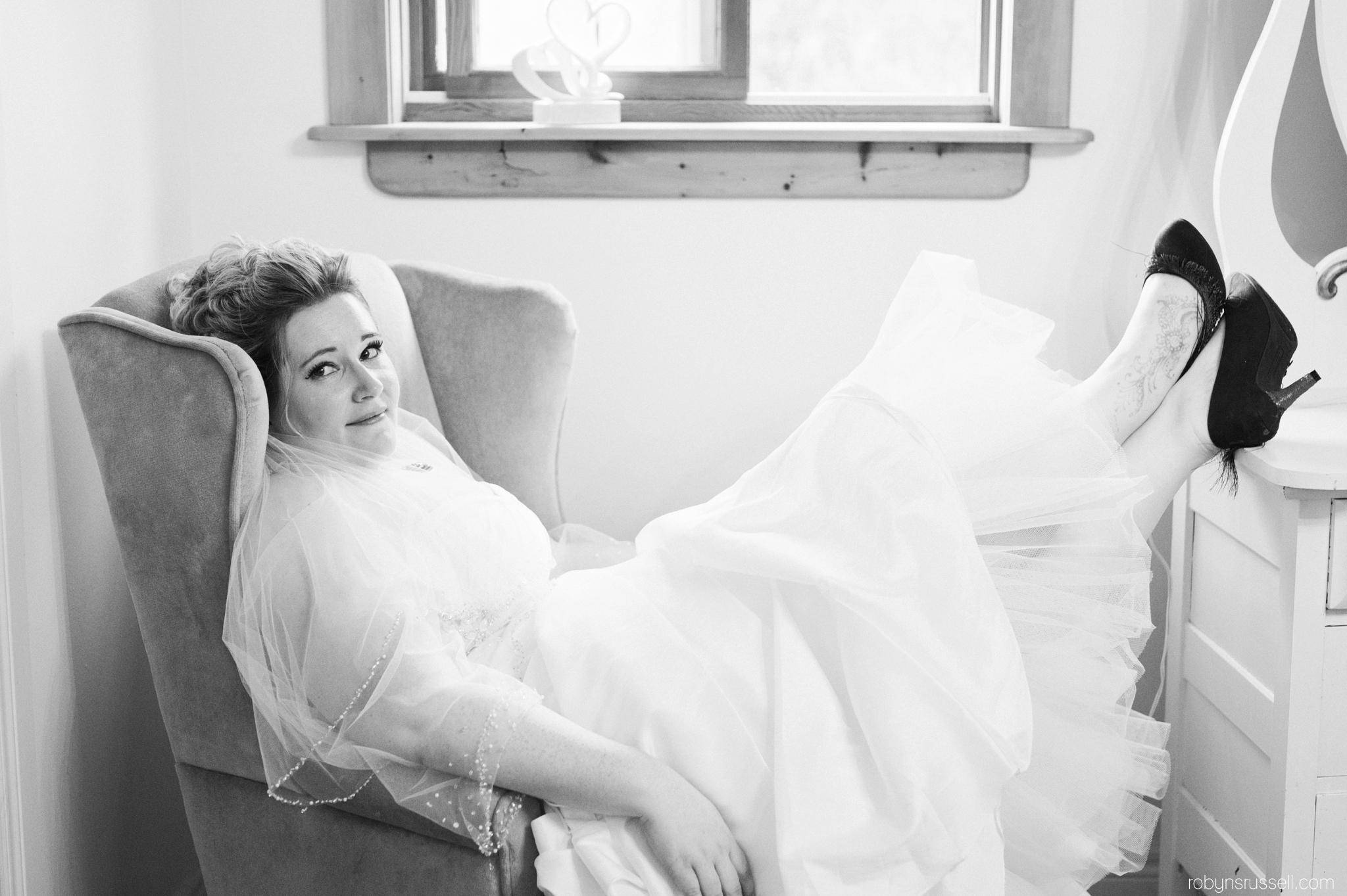 9-cute-bride-to-be.jpg