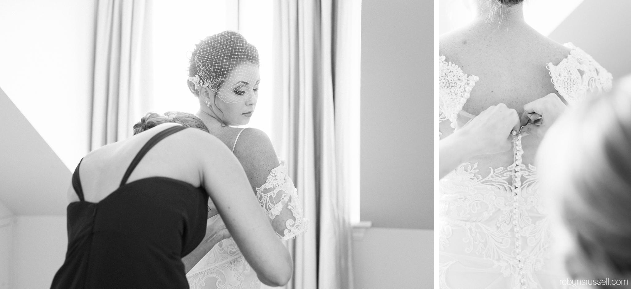 16-bride-getting-ready-at-langdon-hall-cambridge-wedding-photographer.jpg