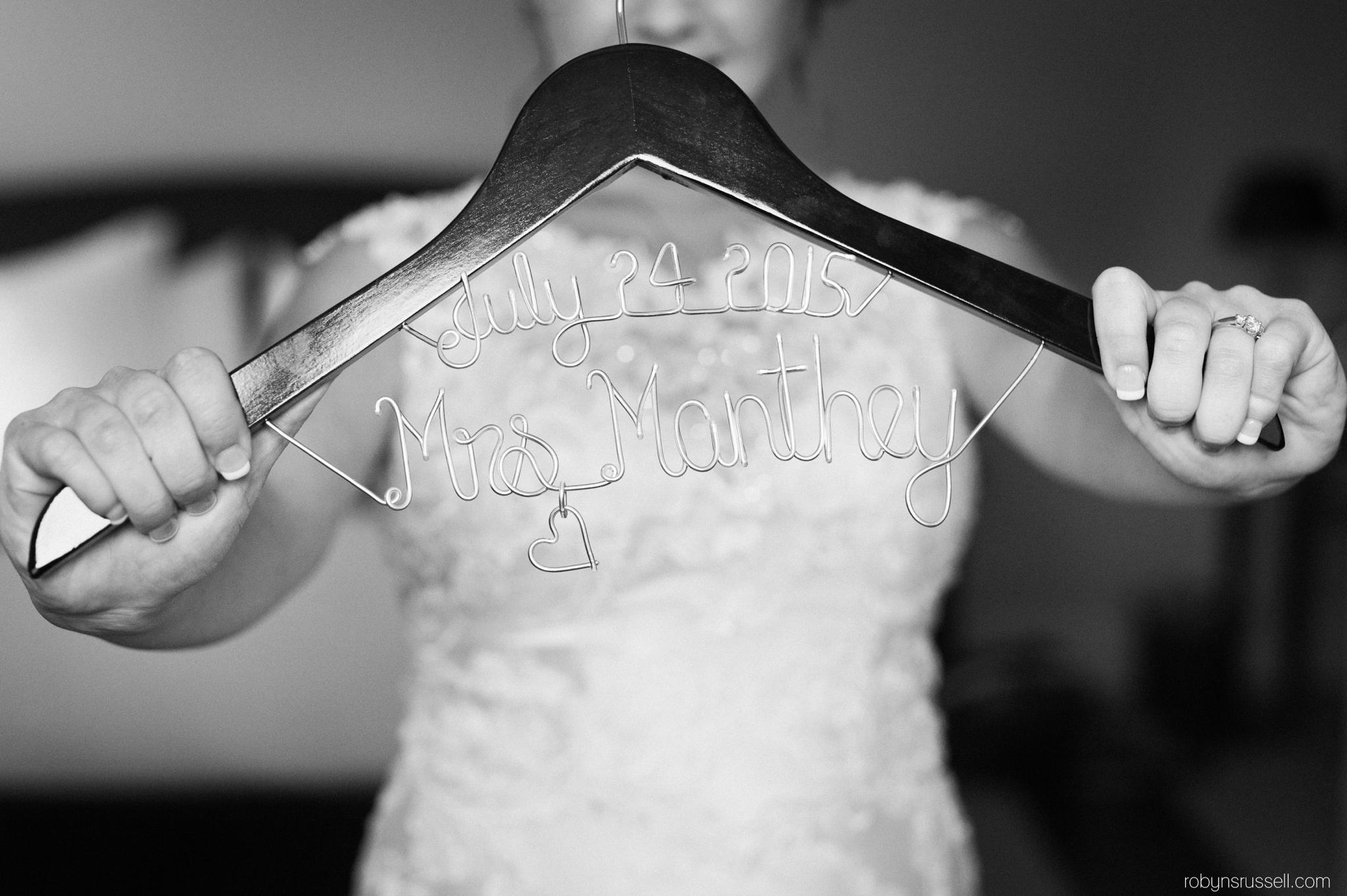 18-bridal-gown-hanger-mrs-manthey.jpg