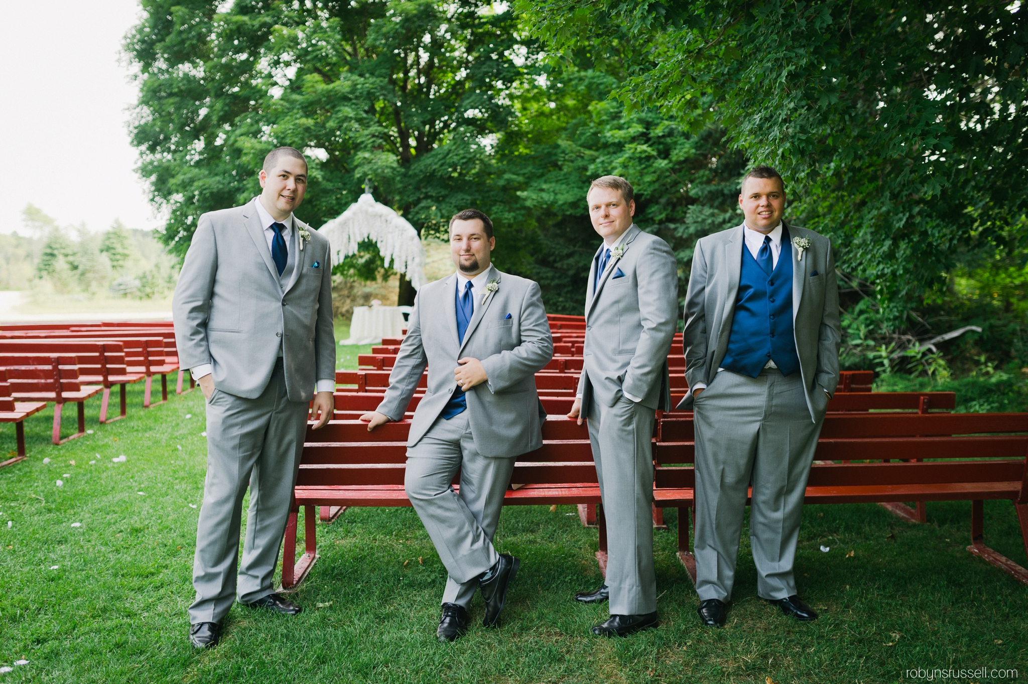 28-grooms-with-groomsmen-drysdale-tree-farm.jpg