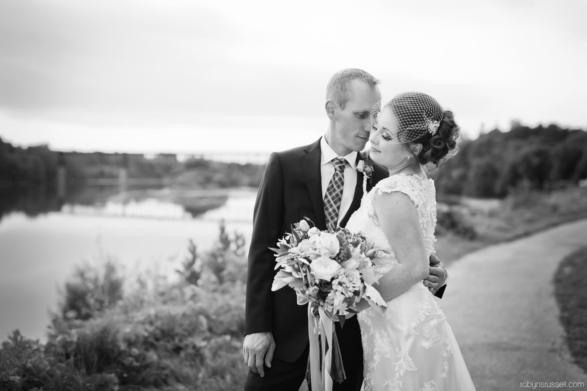 49-cambridge-mill-summer-wedding-photographer.jpg