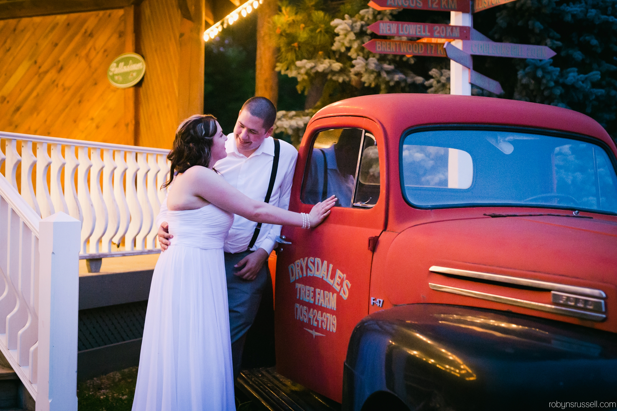 67-bride-and-groom-by-drysdale-red-truck.jpg