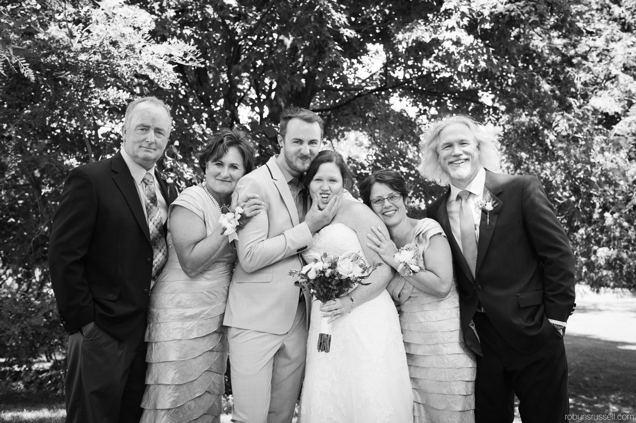 21-silly-family-shot-at-emilie-and-brenons-wedding.jpg