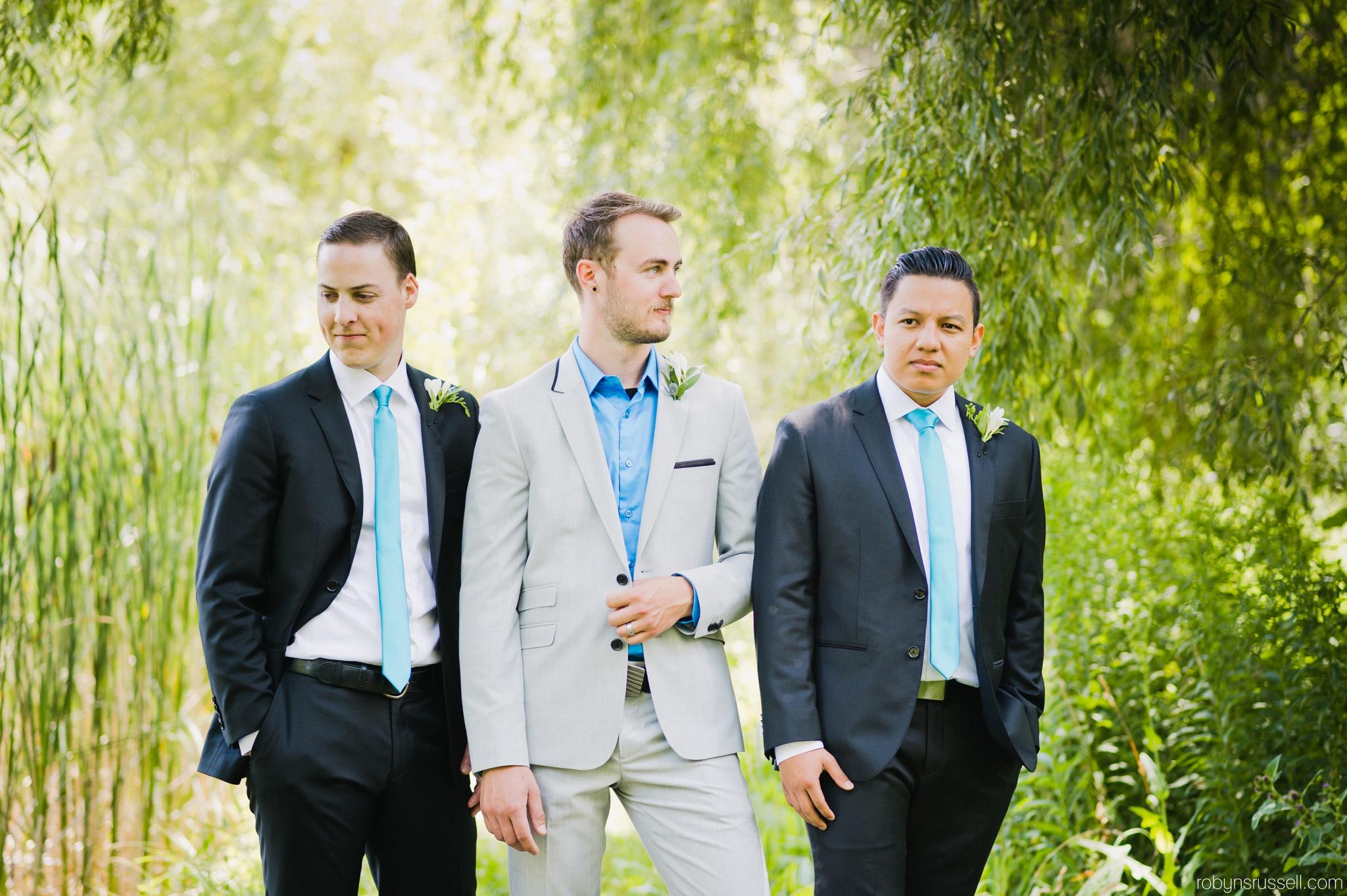 24-handsome-groom-and-groomsmen.jpg
