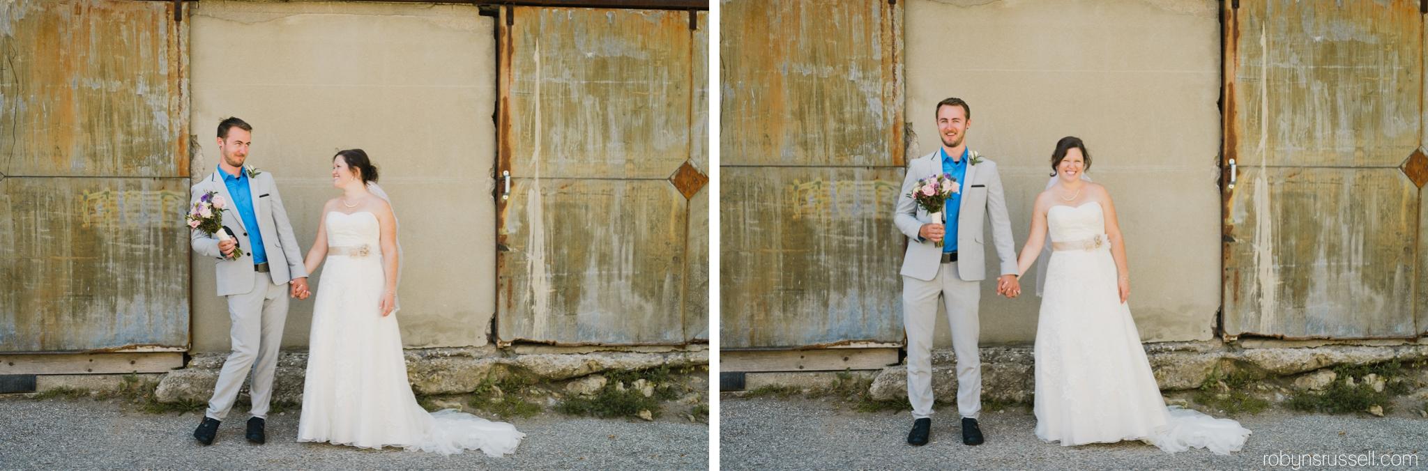 41-more-sweet-moments-between-bride-and-groom.jpg
