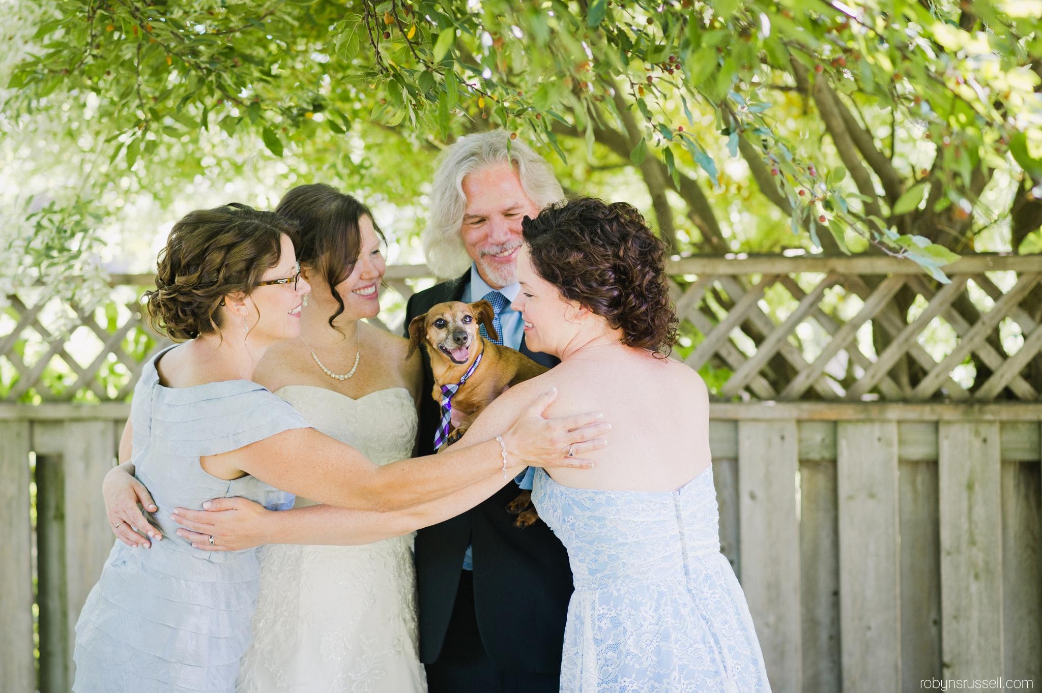 6-cute-family-burlington-murphy-the-dog.jpg